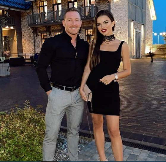 Надежда Серова (Nadin Serovski) с мужем